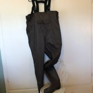 Fishing Waders . Rubber boots size 11, brown color